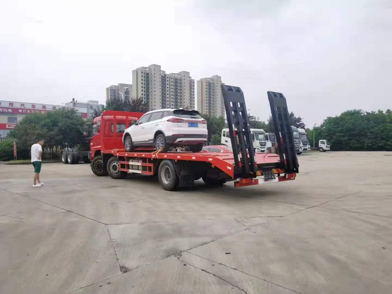 东风D17国六小三轴平板运输车全方位高清图展示