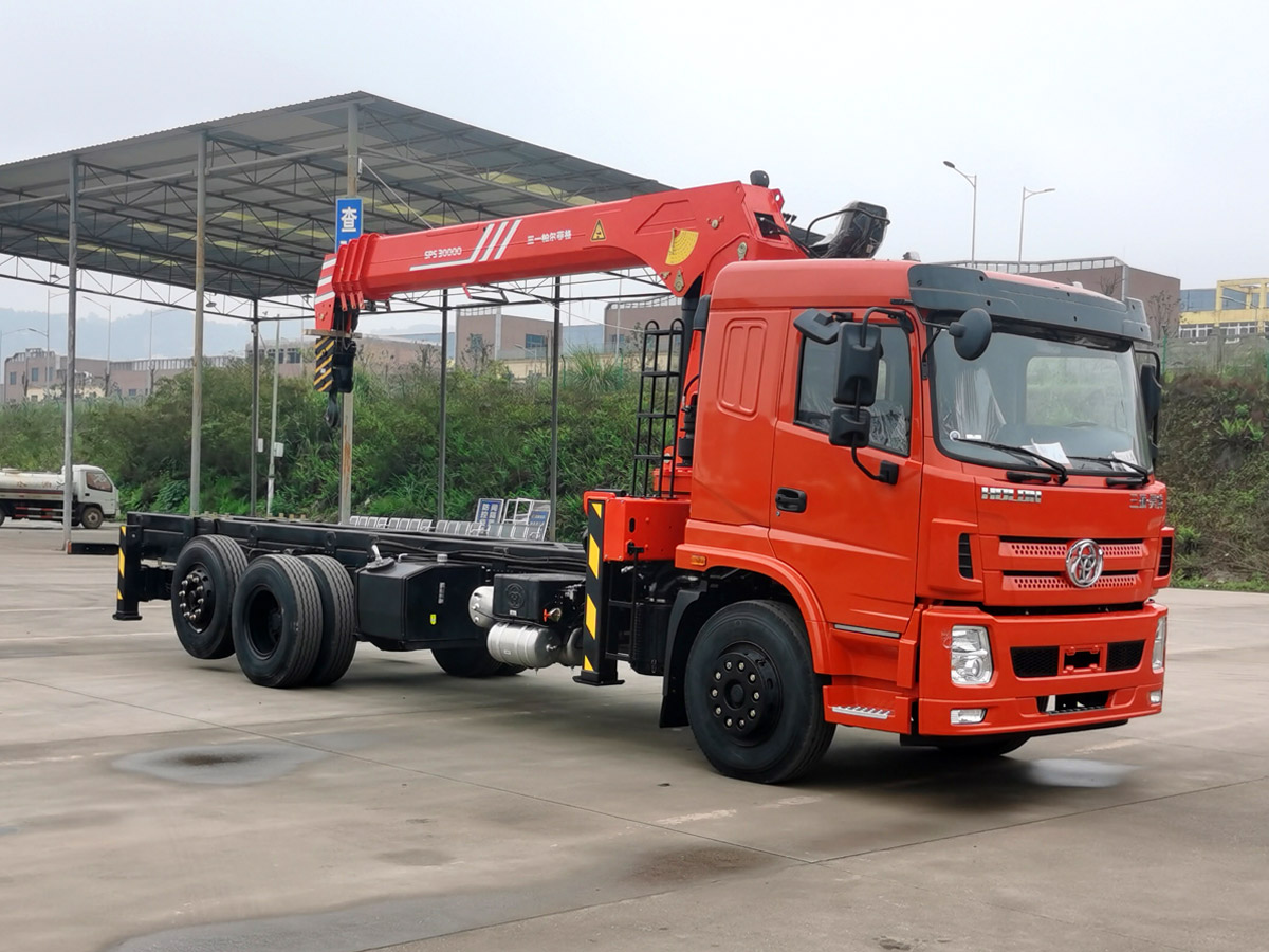 三环昊龙提升桥三一12吨直臂随车吊全方位高清图展示