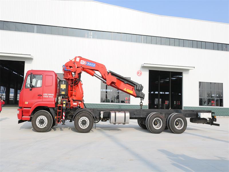 华菱重卡星马25吨6节折臂随车吊全方位高清图展示