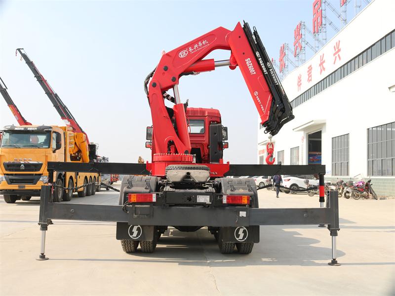 德龙牵引头长兴30吨折臂随车吊全方位高清图展示