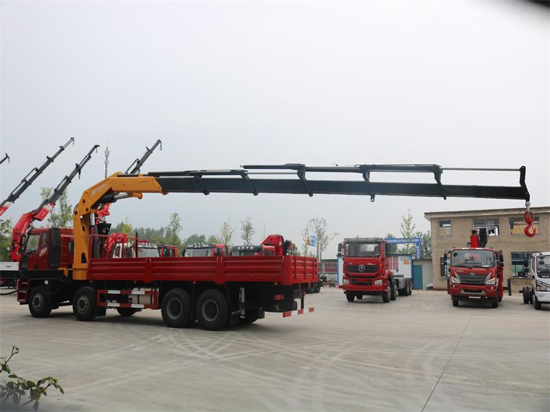 解放锡柴460马力长兴30吨折臂随车吊全方位高清图展示