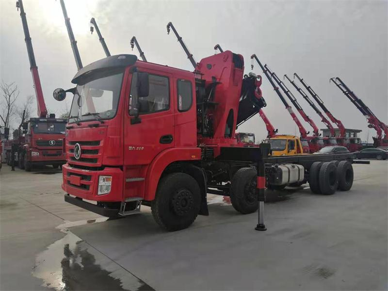 锦程国六前四后八30吨长兴折臂吊机5.jpg