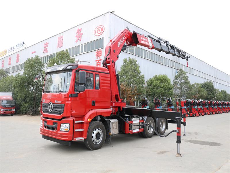 德龙牵引头长兴40吨折臂随车吊全方位高清图展示