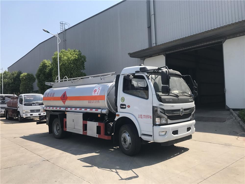 国六东风凯普特8.5方加油车图片