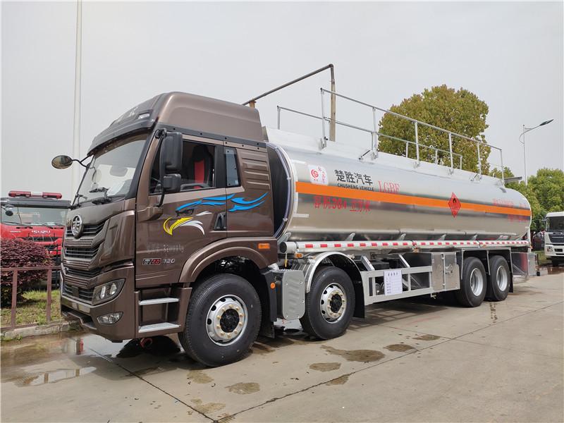 解放悍V前四后八国六20吨运油车 30.4方铝合金油罐车