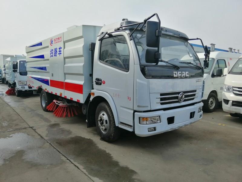 多利卡D7扫路车8吨扫路车