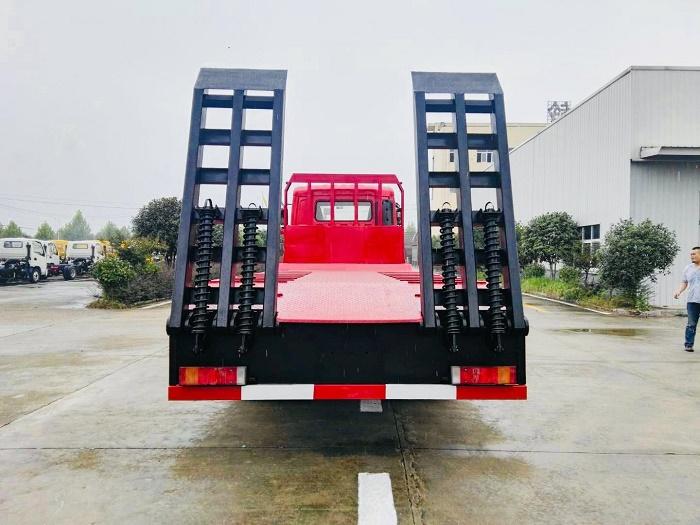 东风T7前四后八350马力平板运输车