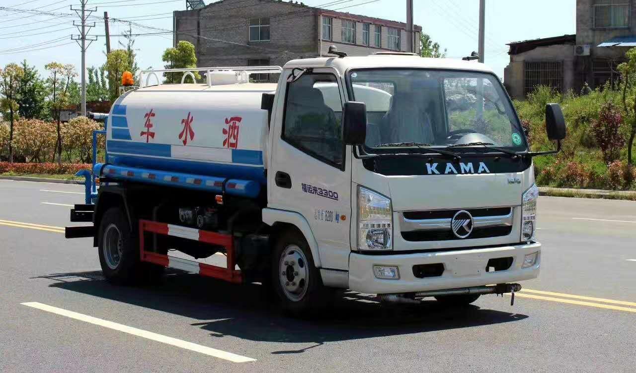 凯马5吨小型洒水车