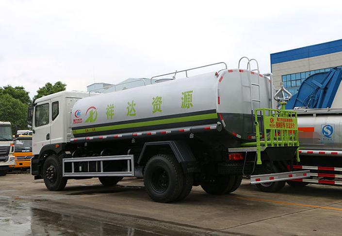 东风T5-15吨洒水车