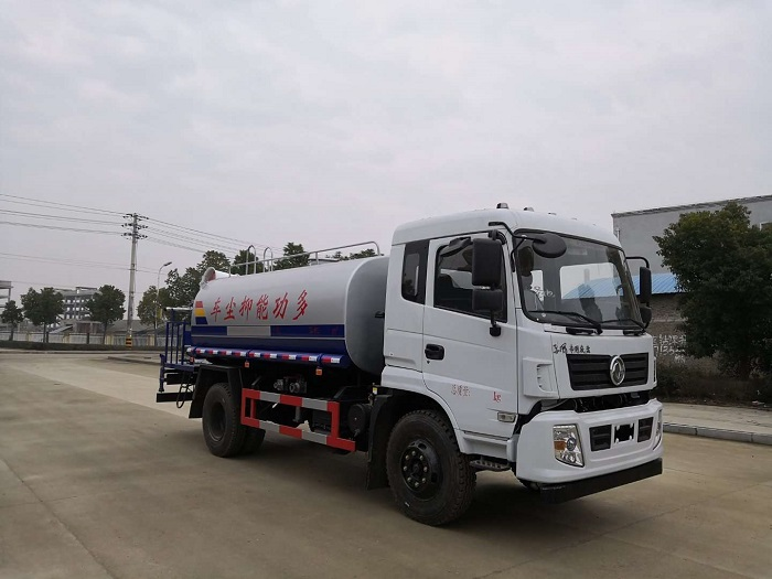 程力东风专底12吨洒水车
