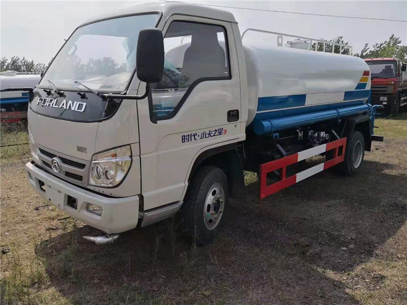 福田时代5-6吨洒水车