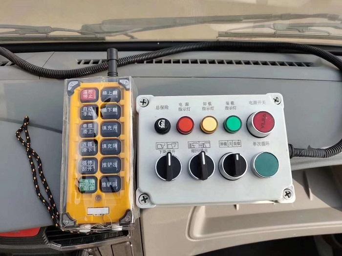 国六东风多利卡D6系列6方压缩式垃圾车图片八