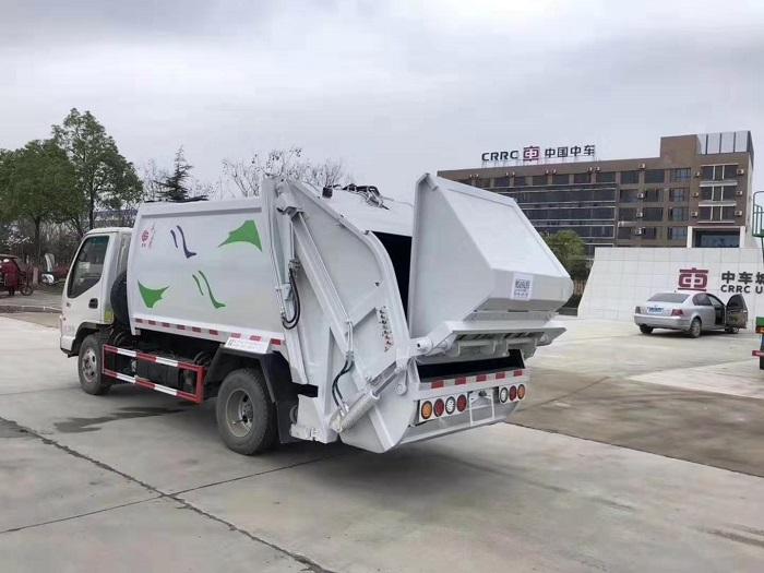 江淮康铃6方后装压缩式垃圾车图片三