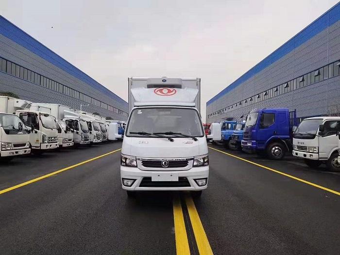 国六东风途逸3.5米冷藏车图片二
