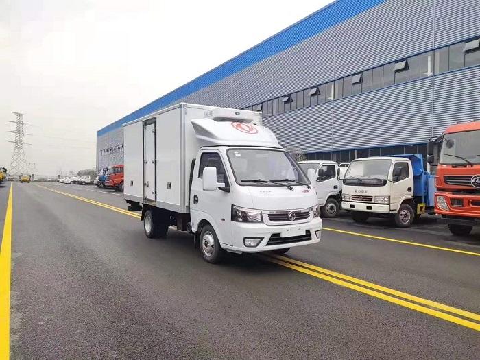 国六东风途逸3.5米冷藏车图片三