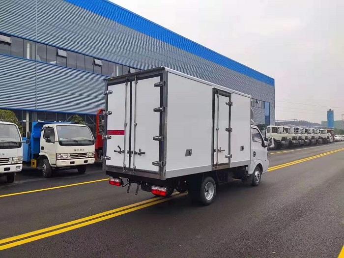 国六东风途逸3.5米冷藏车图片六