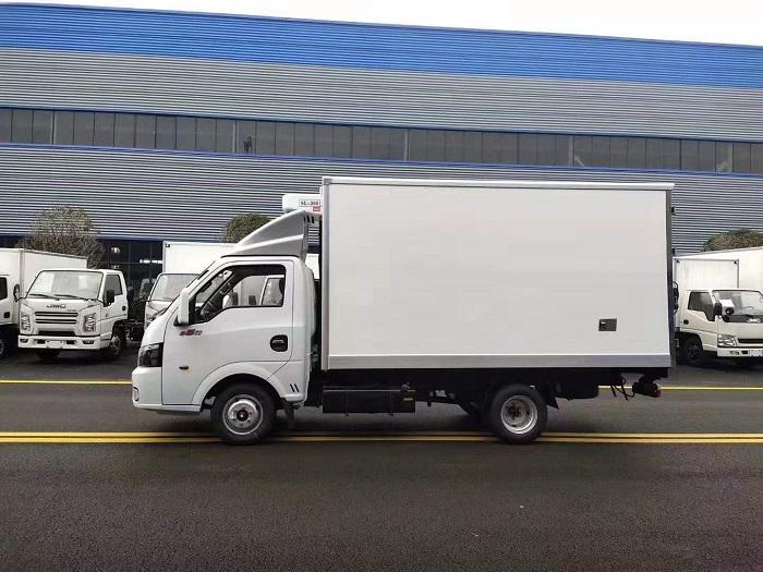 国六东风途逸3.5米冷藏车图片七