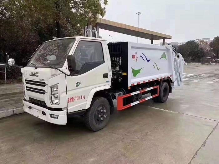 国六江铃顺达5-6方压缩式垃圾车图片