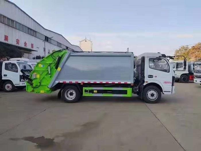 东风多利卡K7国六8方后装压缩式垃圾车图片二