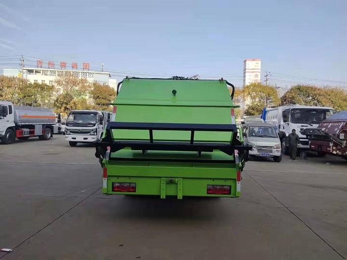 东风多利卡K7国六8方后装压缩式垃圾车图片四