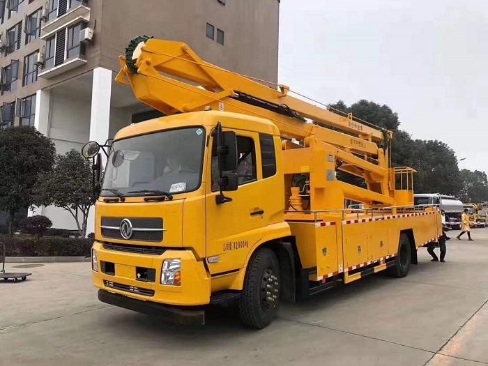 东风天锦24米五节臂曲臂折叠臂高空作业车