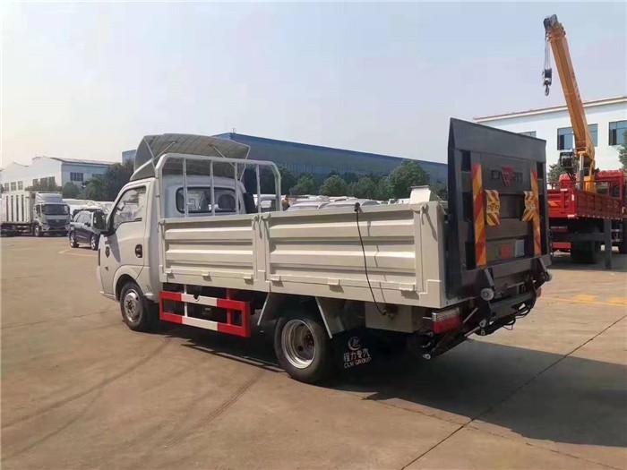 国六东风途逸桶装(15桶)垃圾运输车图片七