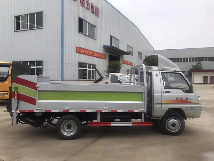 凯马锐菱8-10桶240L桶装垃圾运输车图片三