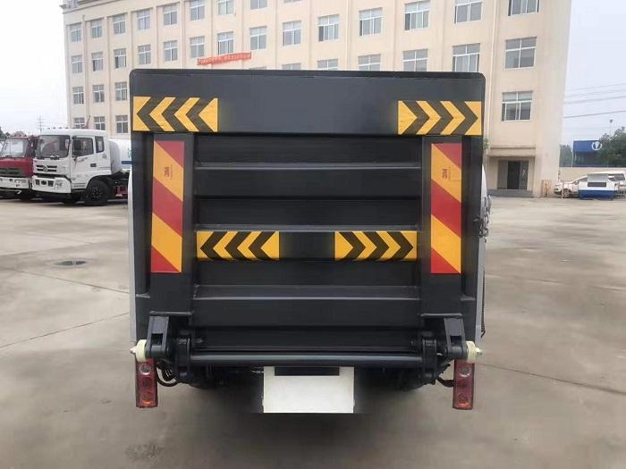 凯马锐菱8-10桶240L桶装垃圾运输车图片七