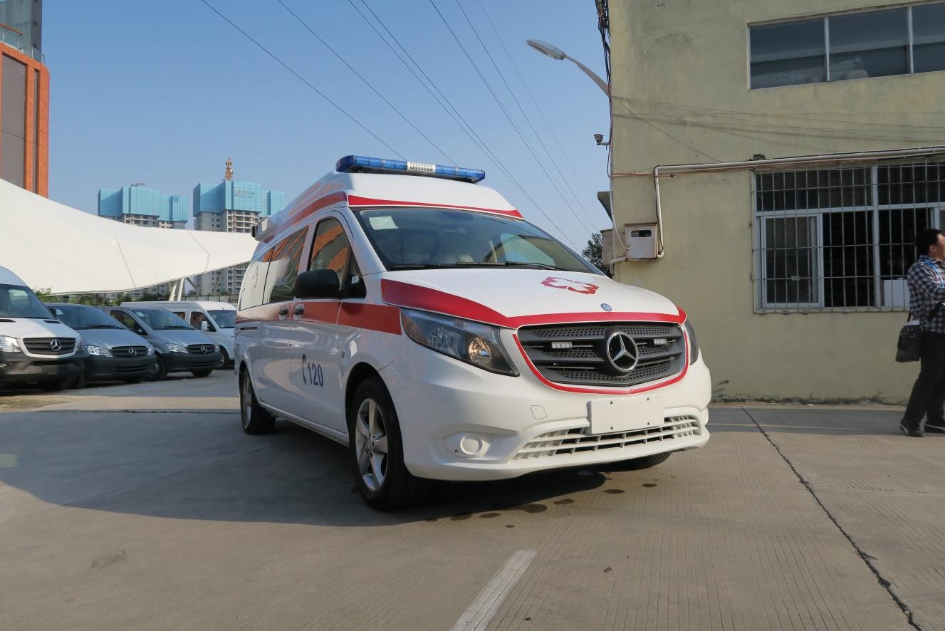 奔驰Vito(新威霆)高顶监护型救护车图片