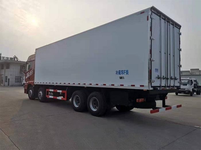 解放JH6前四后八冷藏车(9.4米厢长)图片六