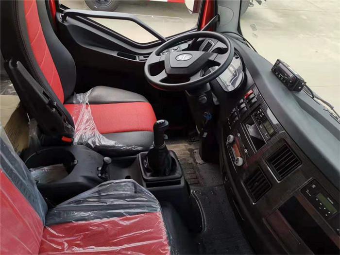 一汽解放J6L小三轴冷藏车(厢长8.6米)容积:52m³图片七