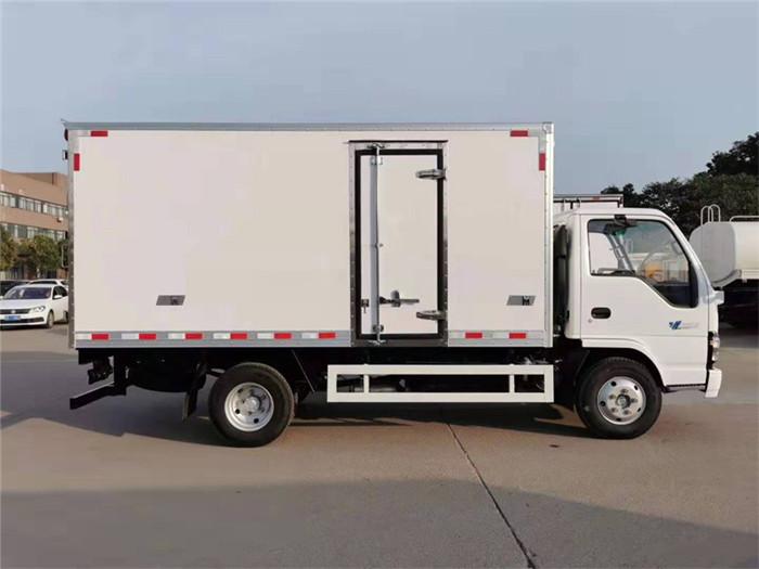 庆铃五十铃600P冷藏车(厢长5米)图片六