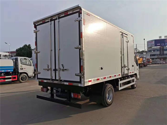 庆铃五十铃600P冷藏车(厢长5米)图片七