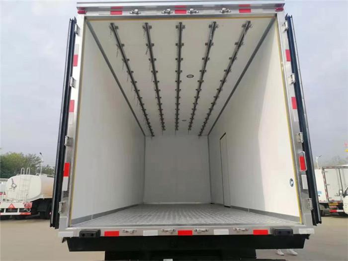 新款青岛解放龙VH厢长6米7冷藏车容积:41m³
