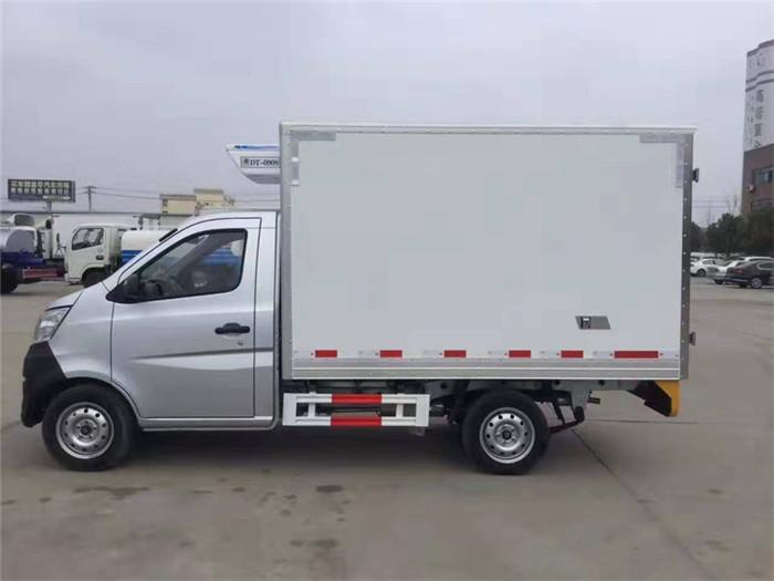 长安星卡冷藏车(厢长2.7米)图片四