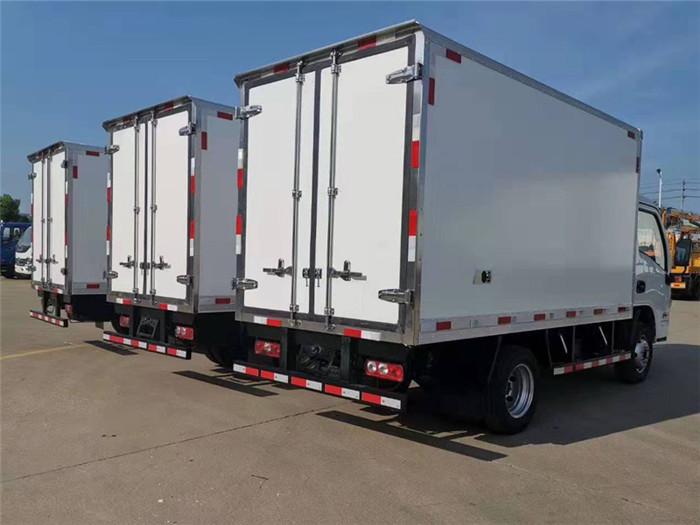 跃进小福星S70冷藏车(厢长3.26米,国六)图片六