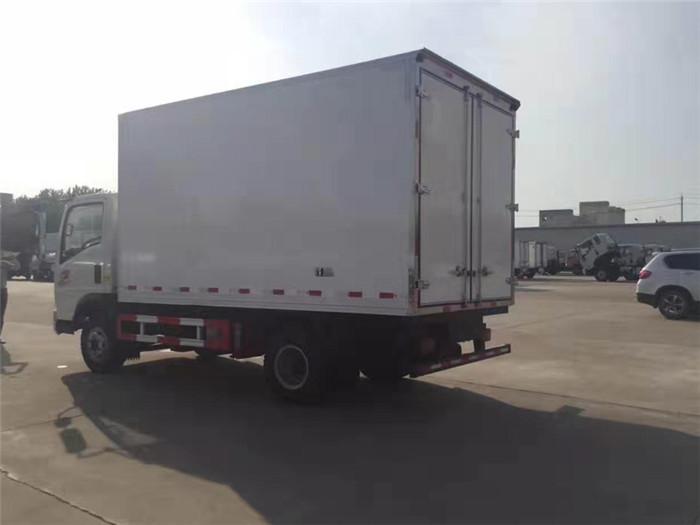 重汽豪沃冷藏车(厢长4米)图片四