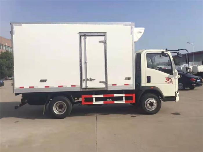 重汽豪沃冷藏车(厢长4米)图片六