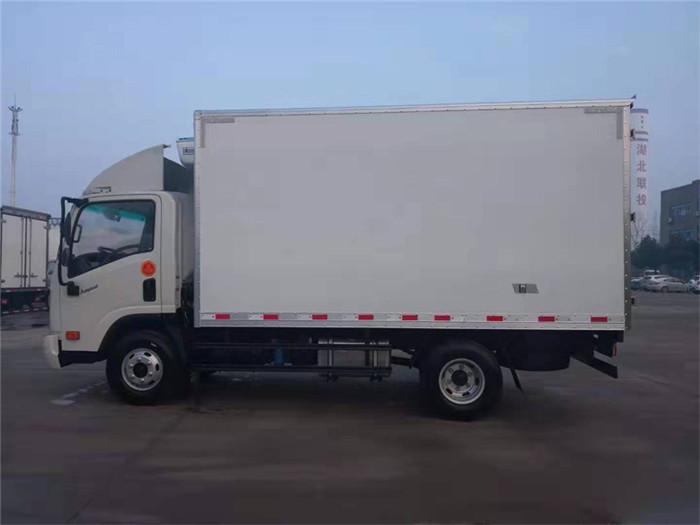 大运奥普力冷藏车(厢长4.05米)图片二
