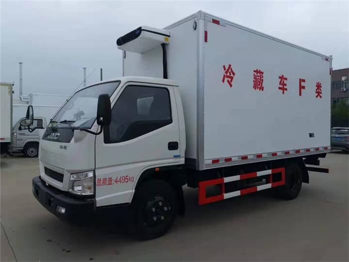 江铃顺达(宽体)冷藏车(厢长4.05米)图片二