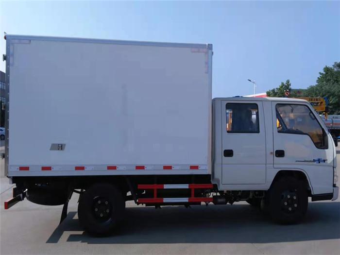 江铃顺达双排座冷藏车(厢长3.2米)图片四
