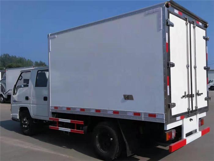 江铃顺达双排座冷藏车(厢长3.2米)图片六