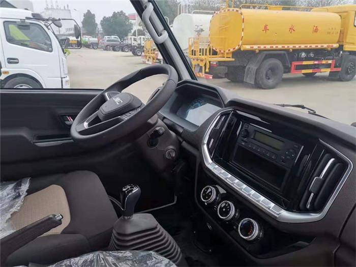 国六江铃顺达冷藏车(厢长4.2米)图片五