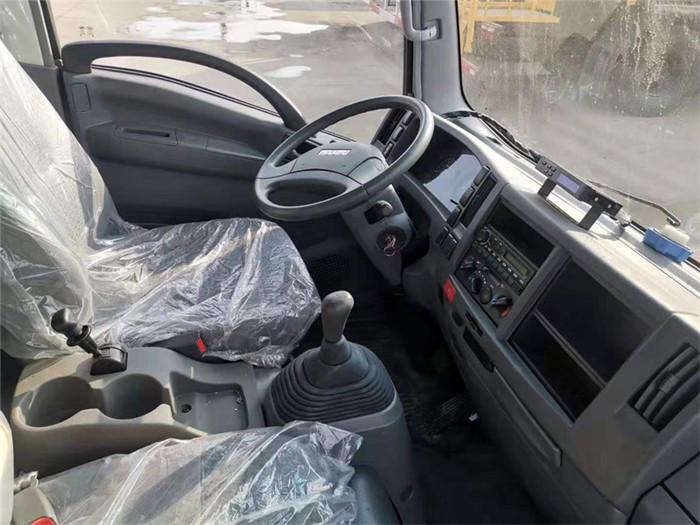 庆铃五十铃KV600型冷藏车图片五