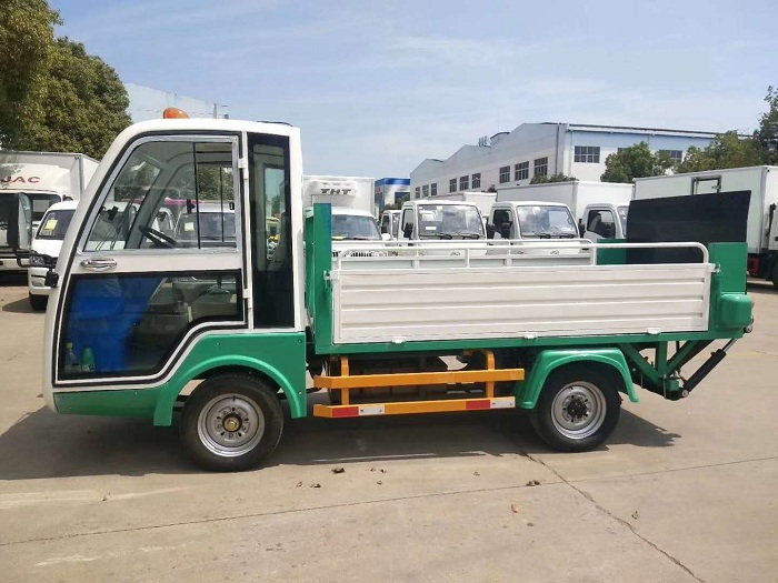 纯电动环保型四轮压缩垃圾车图片二