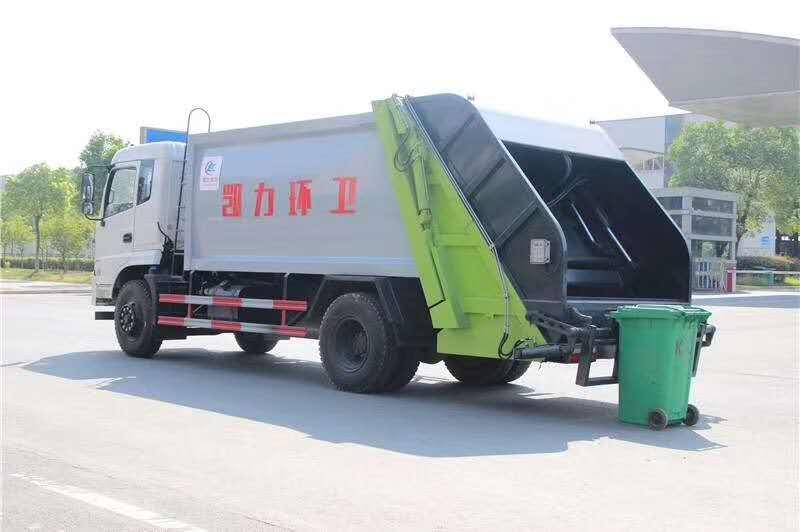 东风御虎10立方压缩式垃圾车图片三
