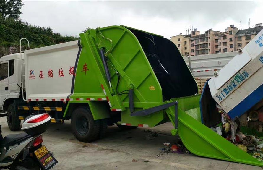 东风御虎10立方压缩式垃圾车图片六