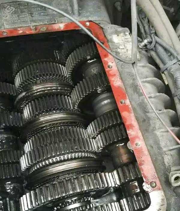 混凝土搅拌车变速箱保养技巧