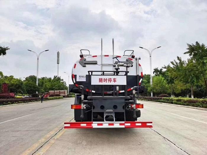 国六东风天龙KL后双桥18吨绿化喷洒车图片八
