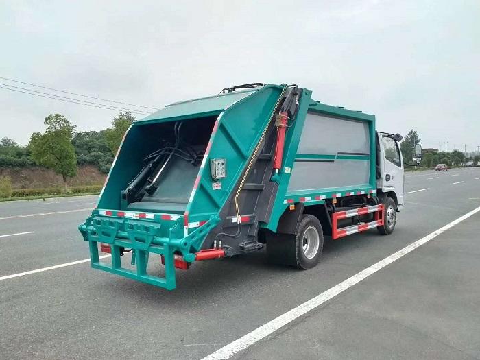 国六东风D6压缩式垃圾车图片三